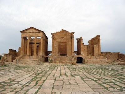 Felsraumensemble auf der Akropolis von Perge
