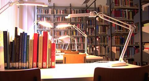 Innenaufnahme der Bibliothek.