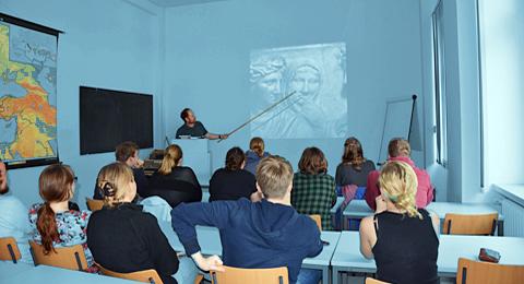 Studierende während einer Vorlesung